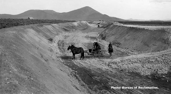 main klamath canal being built in 1906.  bureau of reclamation photo