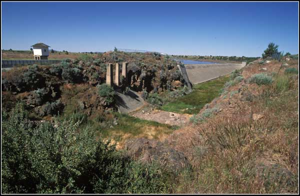 old channel for the clear lake dam and reservoir.  clear lake national wildlife refuge, modoc county california, tulelake california.  photo by anders tomlinson