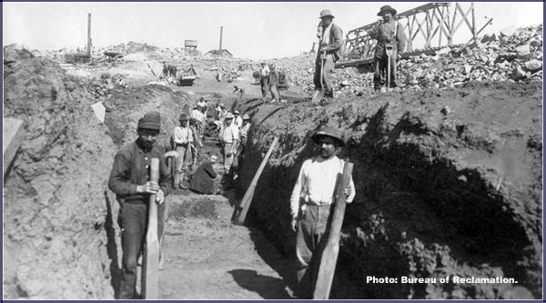 bureau of reclamation project photo:  workers on the clear lake dam - 1909. klamath reclamation project