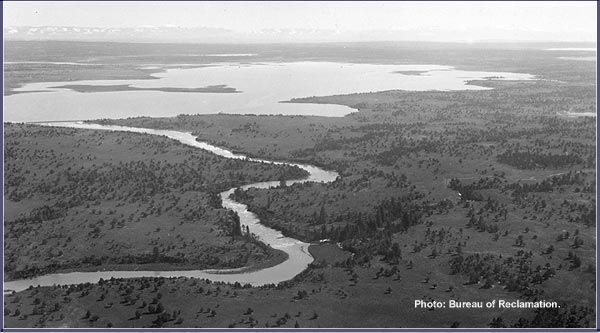 lost river photo of clear lake dam project.  klamath reclamation project.  bureau of reclamation photo