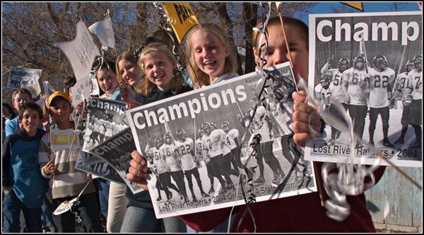 merrill elementary kids celebrate 2004 Lost river class 2A football champions.  merrill, oregon.  photo by anders tomlinson