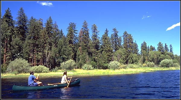 canoe on recreation creek, upper klamath national wildlife refuge, rocky point, oregon.  photo by anders tomlinson.