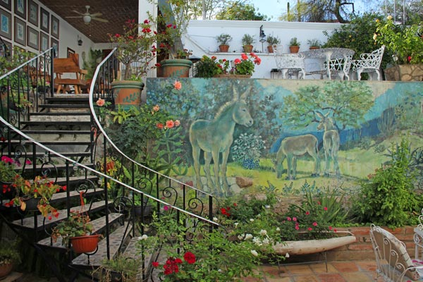 Mural at Casa Serena Vista by Katherine Callingham in Álamos, Sonora, México. Photo by Anders Tomlinson. March 1, 2017.